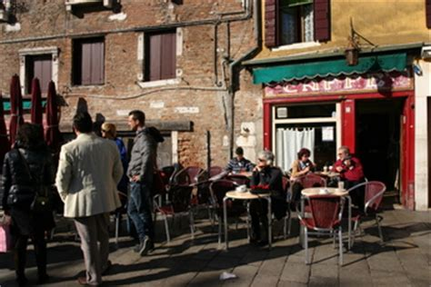 best bars in venice best bars and clubs in venice italy earth