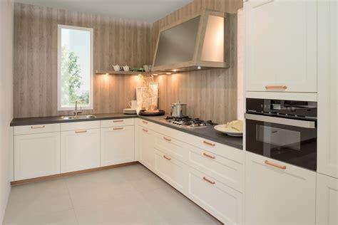 mat駻iel cuisine rotpunkt kitchens david kiely kitchens