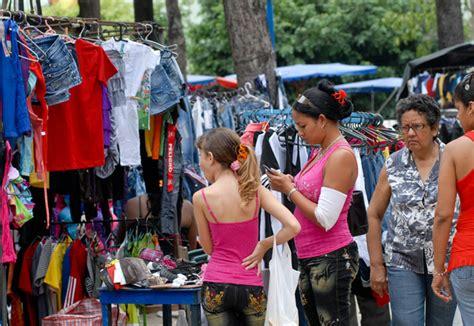 cual es la forma de vestir en zonas deserticas los fantasmas de la ropa de ecuador cuba en noticias