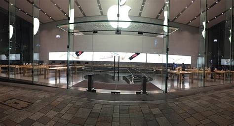 iphone store apple store in tokyo begins setting up iphone 6s display models mac rumors