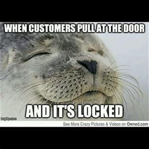 Working In Retail Memes - best 25 working retail humor ideas on pinterest