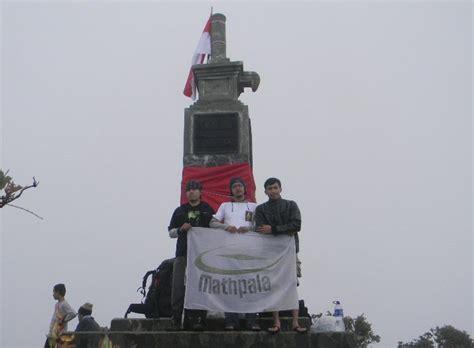 jalur pendakian gunung lawu  cemorosewu tenda inspirasi