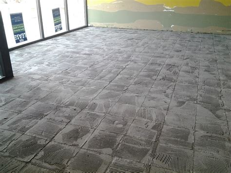 Tile and Carpet Removal by Polishmaxx in Iowa & Illinois