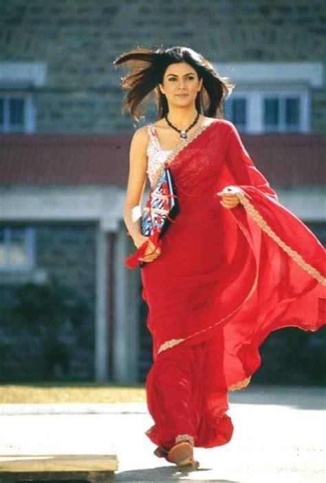 sushmita sen in main hoon na 12 times bollywood made chiffon sarees look beautiful