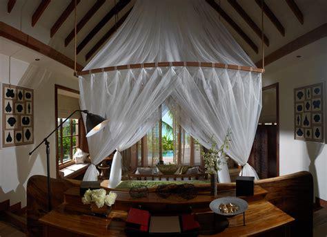 Jumeirah Vittaveli Resort in Maldives   HomeDSGN