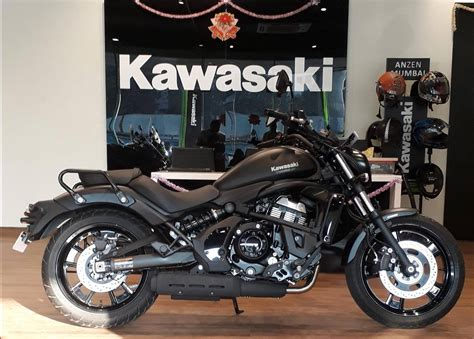 Kawasaki Motorcycle Dealership by Kawasaki Vulcan S Arrives At Dealership Ahead Of Its