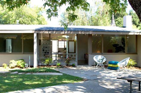 small mid century modern homes small mid century modern home design mid century modern home exterior ideas