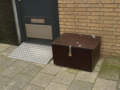 is the drop box the future of parcel delivery