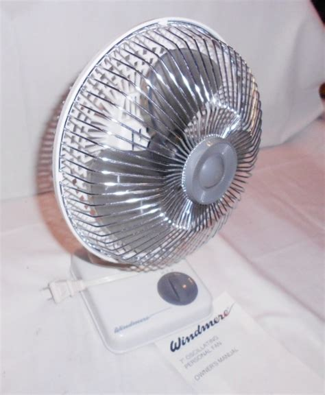 Desk Fan Small Vintage Windmere Small 7 Quot Oscillating Desk Fan 2 Speed White Ebay