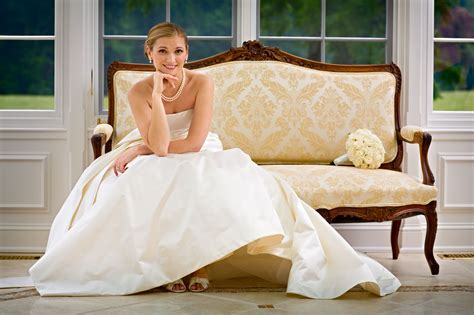 y couch poses brides holland photo arts worldwide travel photographers