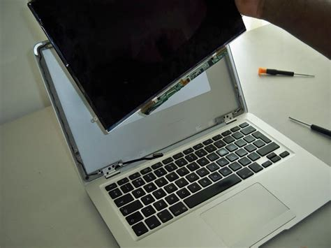 Diy Macbook Pro Screen Replacement laptop screens replacement do it yourself laptop display