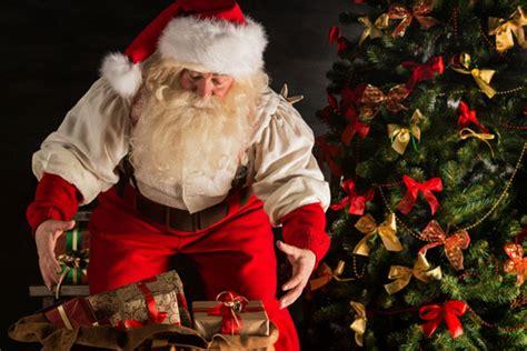 babbo natale porta i regali ai bambini quando finisce la magia natale blogmamma it