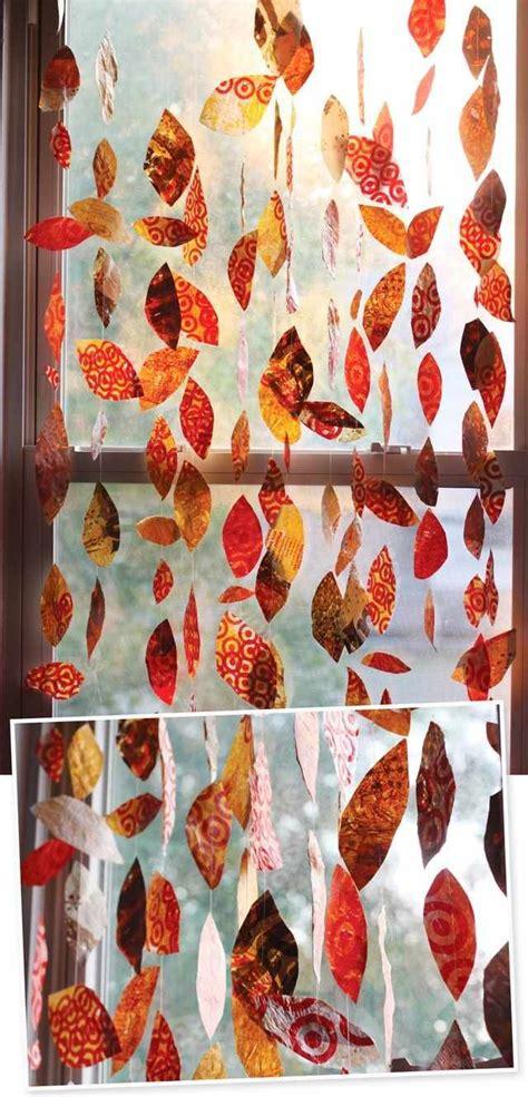 Basteln Mit Geschenkpapier by Herbst Basteln Fensterdeko Girlanden Geschenkpapier
