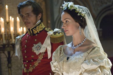 queen victoria film clips amazon com the young victoria emily blunt rupert friend