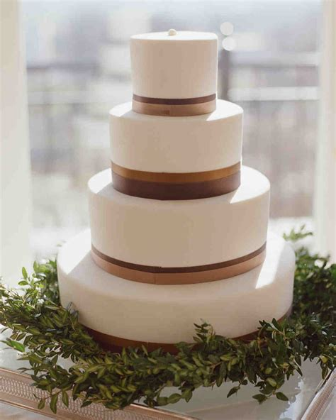 Simple Wedding Cake Ideas For Fall by 40 Simple Wedding Cakes That Are Gorgeously Understated