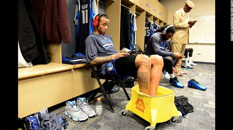 tales from the dallas mavericks locker room a collection of the greatest mavs stories told tales from the team books what a 32 amazing sports photos
