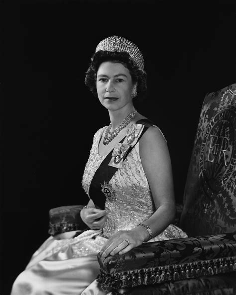 queen elizabeth queen elizabeth ii yousuf karsh