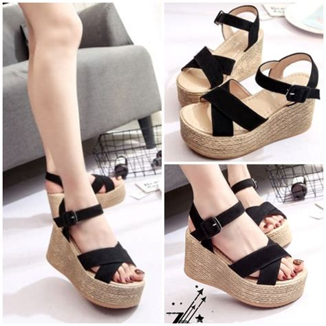 Sepatu Wanita Cantik 115 jual shwk13 black sepatu wedges cantik 8cm grosirimpor