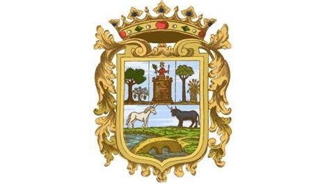 el escudo de utrera simbolo de la historia de una ciudad abcdesevillaes