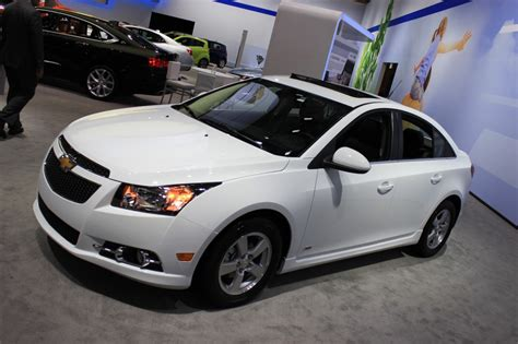 2015 chevy cruze gets new styling and tech 2014 new york chevy cruze 2014 air bag repair html autos post