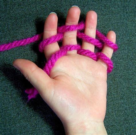 finger knitting wonderful diy finger knitting scarf