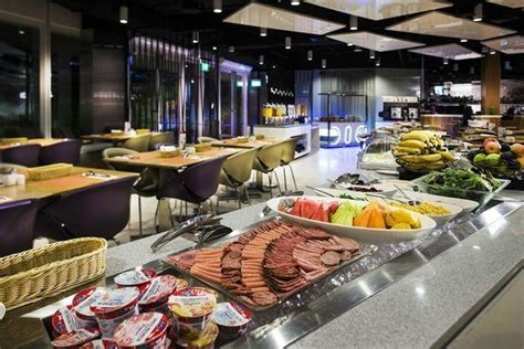 new year buffet singapore best new year buffet deals in singapore 2017