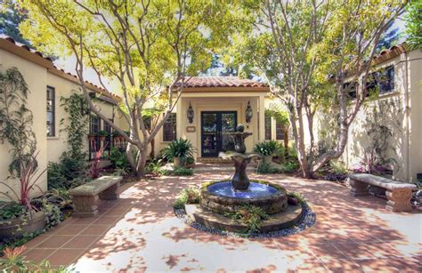 spanish style homes with courtyards spanish style homes google da ara spanish style home