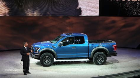 ford   raptor debuts  detroit feels