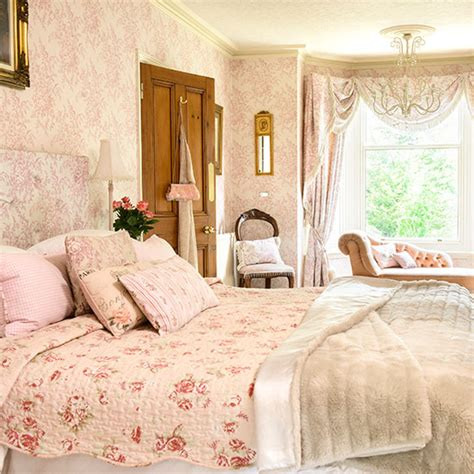 pale pink bedrooms pale pink and cream floral bedroom bedroom decorating