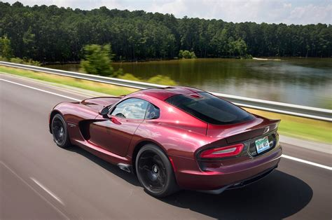 2017 dodge viper reviews and rating motor trend 2017 dodge viper reviews and rating motor trend