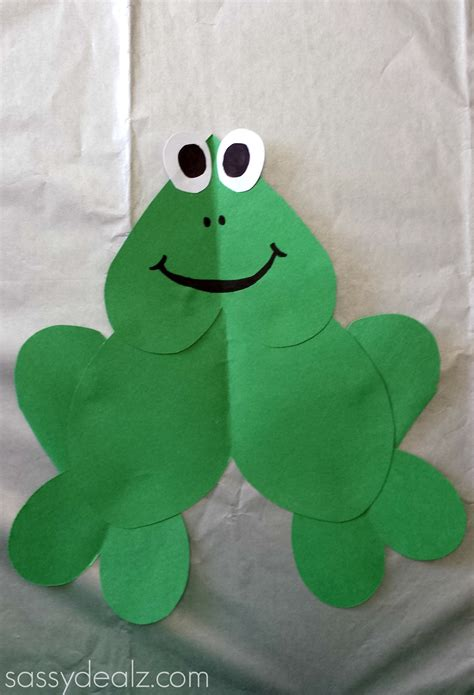 Frog Papercraft - paper frog craft for crafty morning