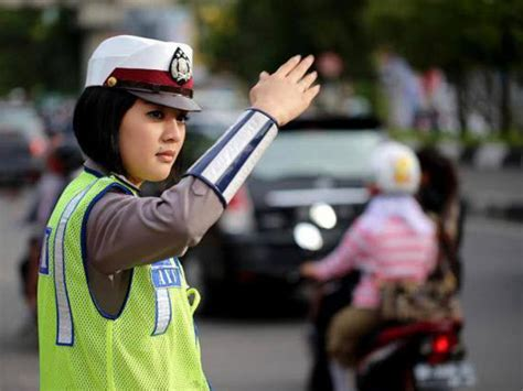 Himpunan Peraturan Perundang Undangan Lalulintas Angkutan Jalan stnk mati polisi bisa tilang panduan pembeli