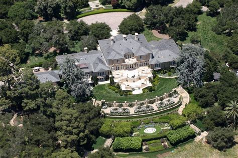 Oprahs House by Oprah Winfrey S Barbara Winfrey Claims Oprah Is