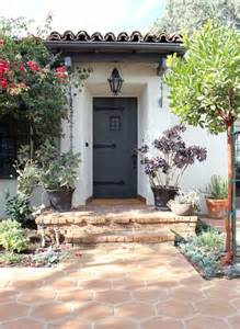 love this little spanish colonial style house decor