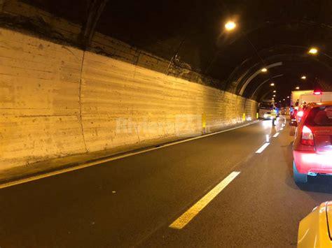 incidente autostrada dei fiori incidenti tra feglino e finale ligure sulla a10 traffico