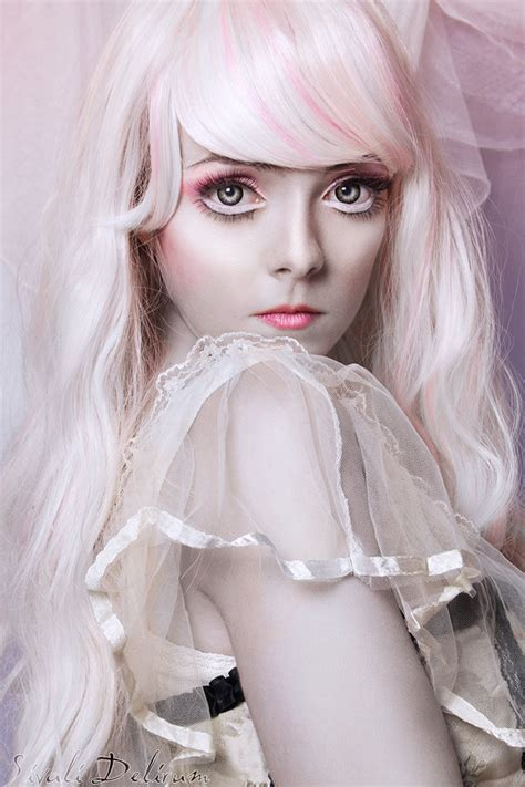 porcelain doll makeup look how to look like a porcelain doll makeup mugeek vidalondon