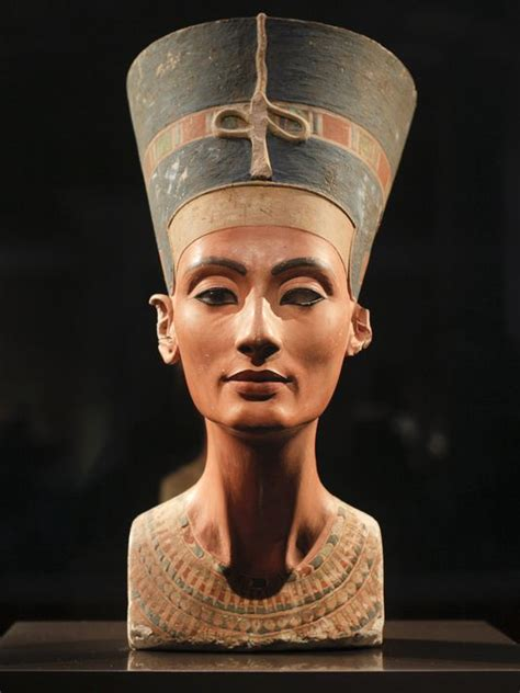 queen nefertiti greatest mystery of ancient egypt has queen nefertiti s tomb been found