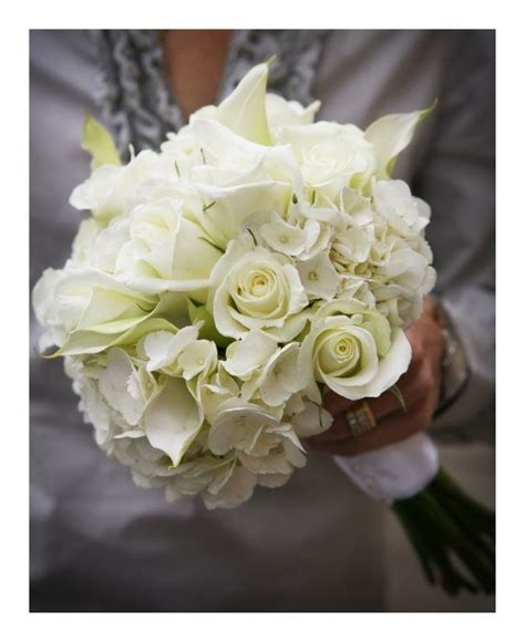 Wedding Bouquets Using Calla Lilies by Classic White Wedding Bouquet Designed Using Hydrangea