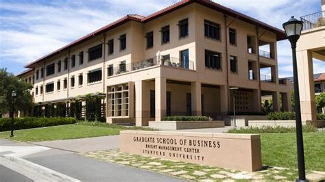 Stanford Exec Mba by Stanford Tops Harvard In Business School Rankings