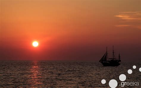 sunset sailing catamaran cruise santorini our top 4 santorini tours combine ease and luxury