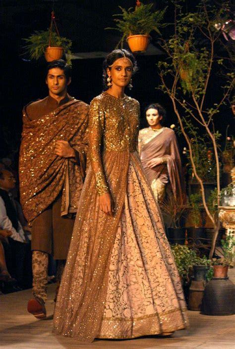 memakai kain sari cara memakai baju sari india cara memakai baju sari india
