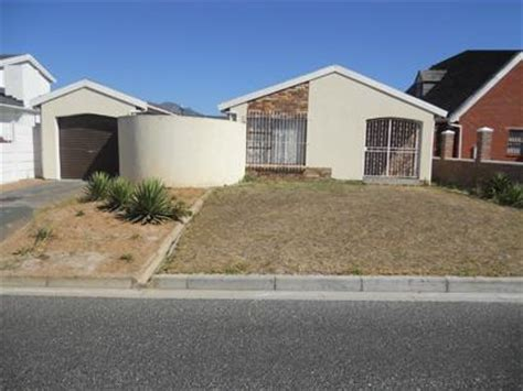 Absa Foreclose Houses Potchefstroom Myroof Absa Repossessed 3 Bedroom House For Sale In Cape