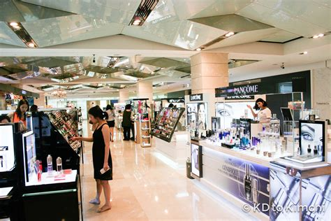 showroom bureau various international and brand cosmetics on the