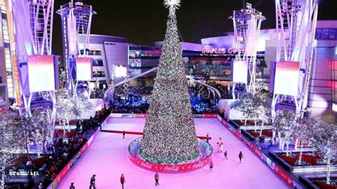 christmas tree at the los angeles staples center shaun white to light tree at l a live l a live