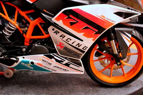 Ktm Powerparts Aufkleber by Ktm Rc390 And Rc200 Launched In India At Rs 2 05 Lakh And