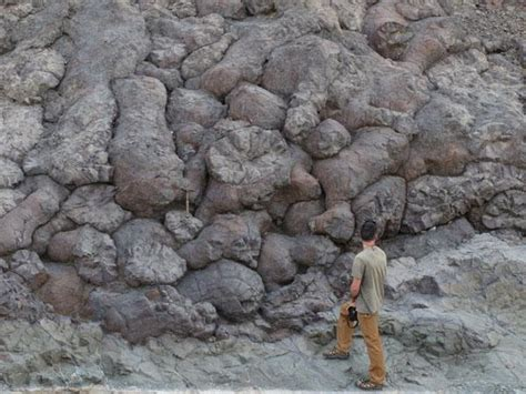 Pillow Lava Definition by Chapter 4 Volcanism And Extrusive Rocks At California Lutheran Studyblue