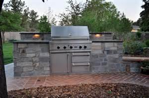 build outdoor kitchen cinder blocks
