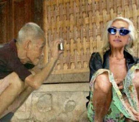 gambar lucu foto lucu kakek dan nenek lagi narsis foto dan gambar lucu