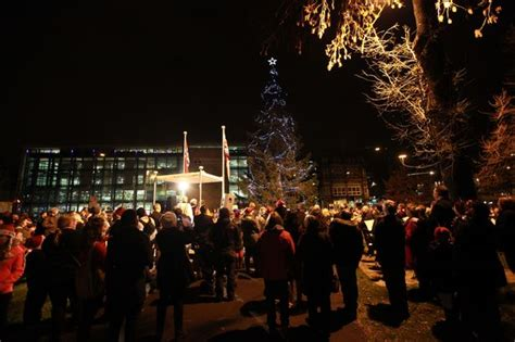 mayor of bergen turns on the christmas tree lights at