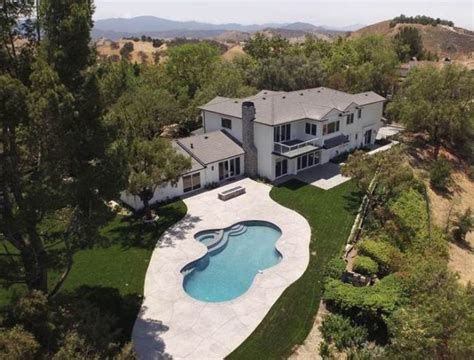scott disick house scott disick buys a 5 96 million bachelor pad around the corner from kim kardashian
